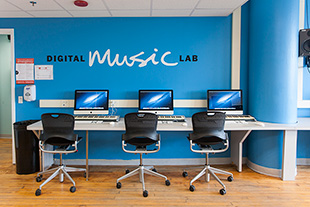 site://colum.edu/img/spaces/facilities/digital-music-lab-310.jpg